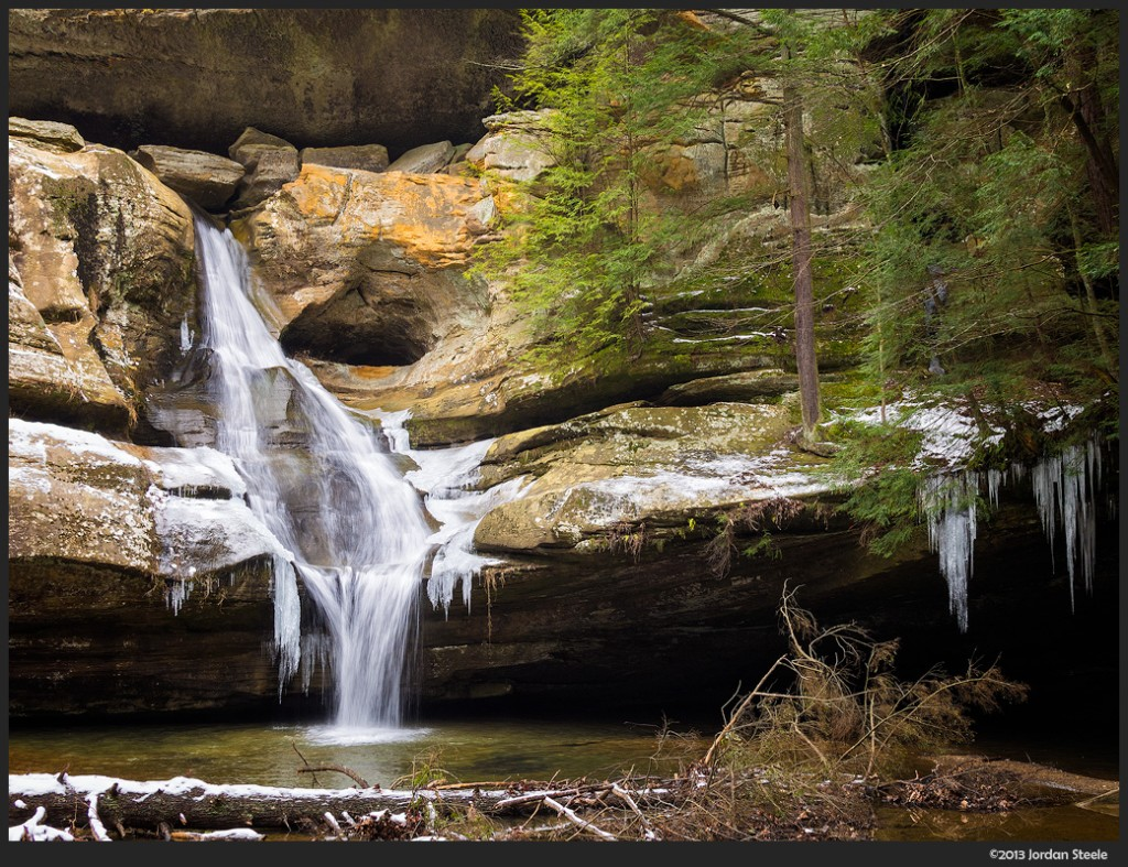 Cedar Falls, Hocking Hills State Park - Olympus OM-D E-M5 with Sigma 19mm f/2.8 EX DN @ f/8