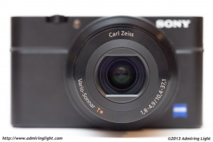 The Carl Zeiss branded zoom lens on the RX100