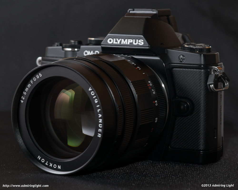 The Voigtländer Nokton 42.5mm f/0.95 on the Olympus OM-D E-M5