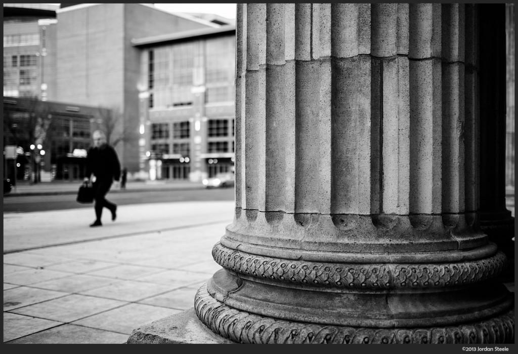 Union Station Column - Fujifilm X-E2 with Fujinon XF 23mm f/1.4 R @ f/1.4