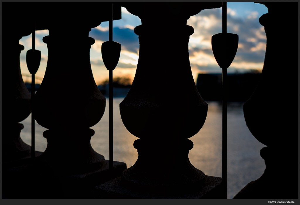 Sunset through the Railing - Fujifilm X-E2 with Fujinon XF 23mm f/1.4 R @ f/2