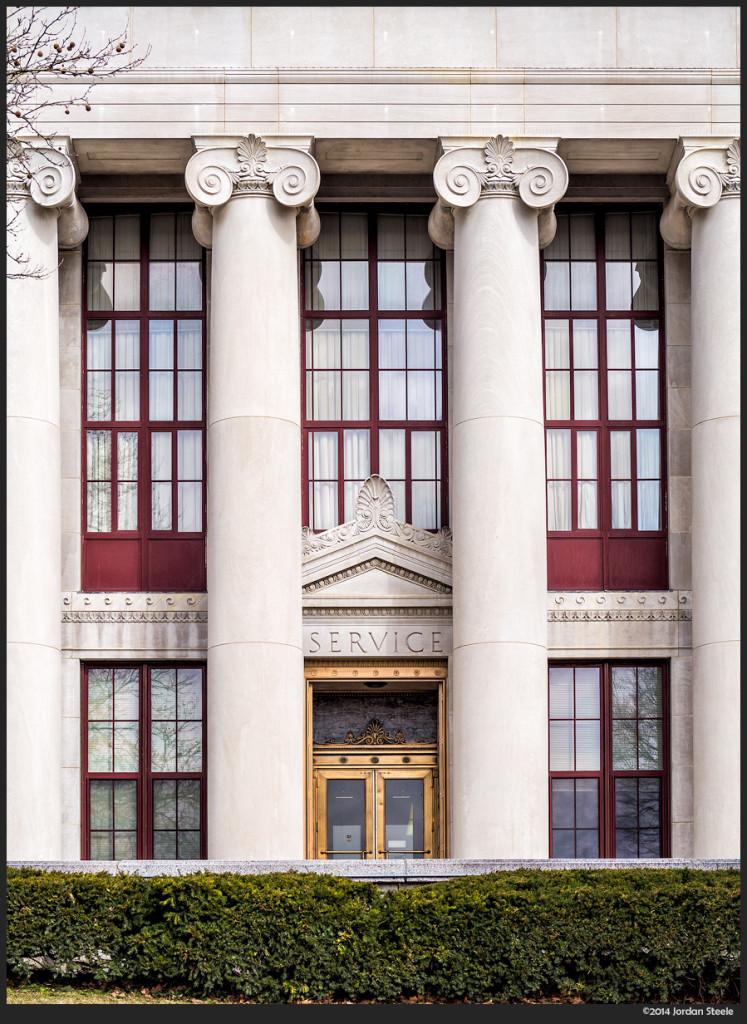 City Hall - Olympus OM-D E-M5 with Panasonic Leica 42.5mm f/1.2 Nocticron @ f/4.5