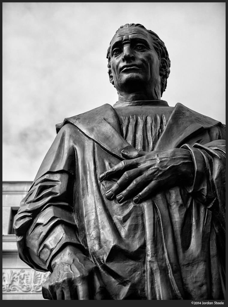 Columbus Statue - Olympus OM-D E-M5 with Panasonic Leica 42.5mm f/1.2 Nocticron @ f/2.5