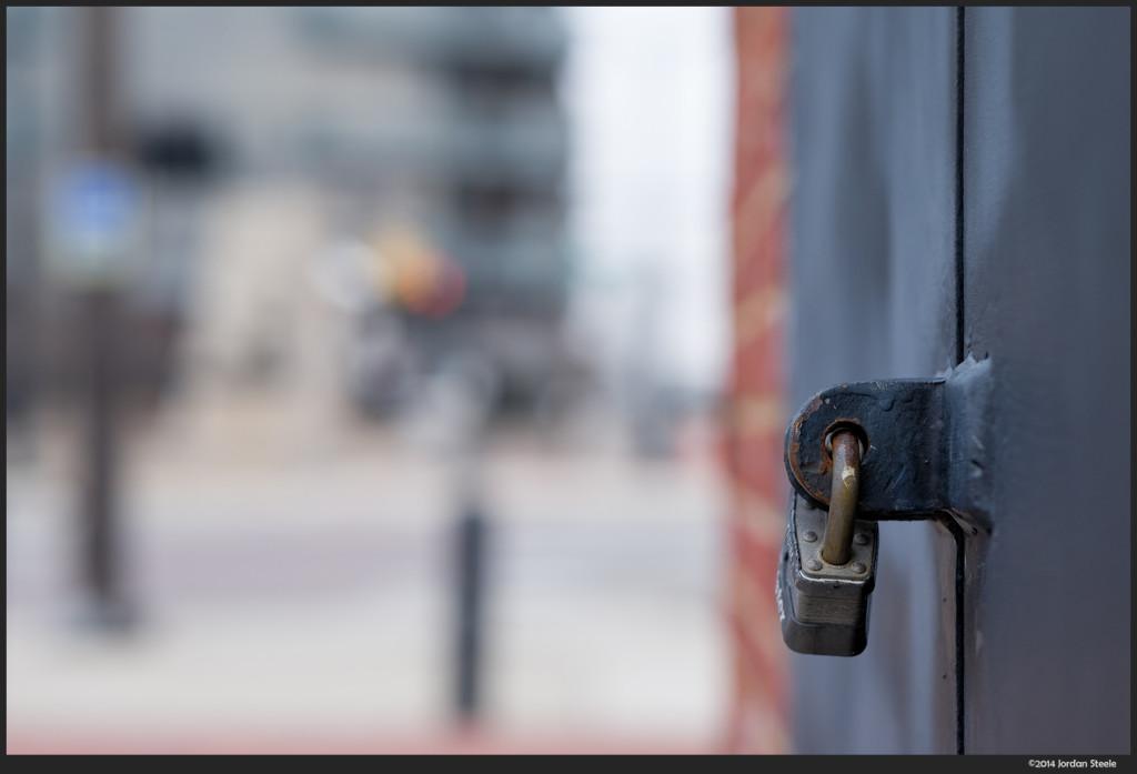 Locked - Fujifilm X-E2 with Fujinon XF 56mm f/1.2 @ f/2.8
