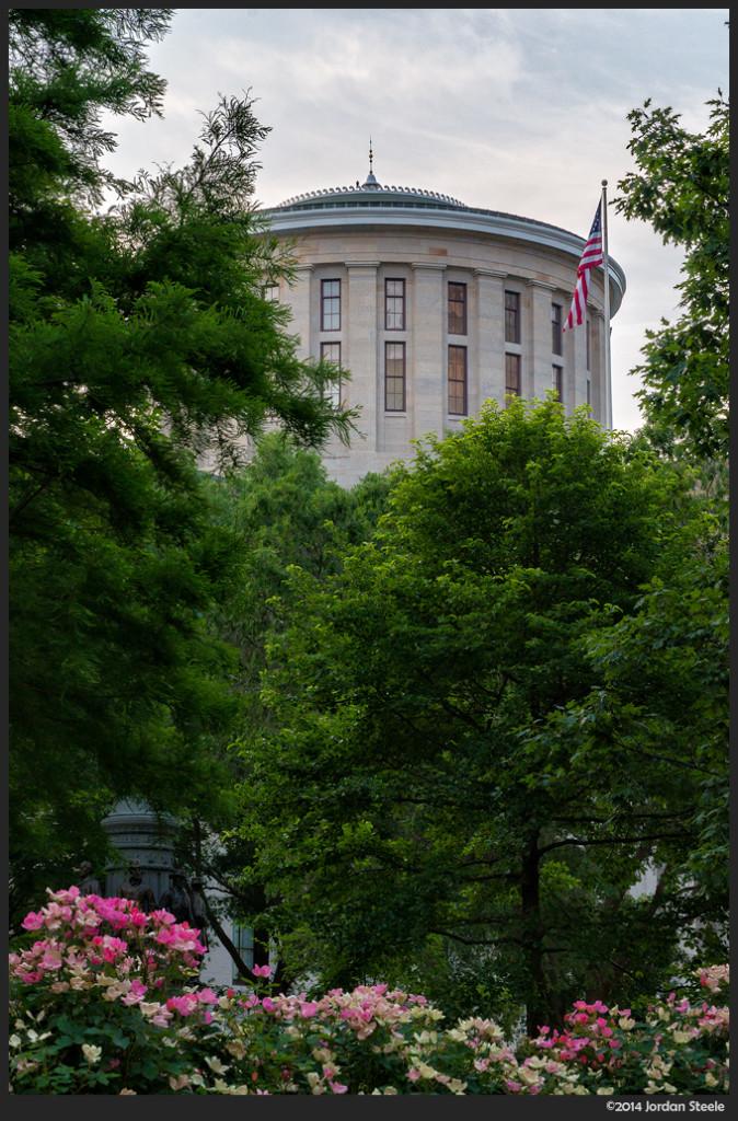 Ohio Statehouse - Sony NEX-6 with Sony 18-105mm f/4 G OSS @ 55mm, f/16, 1/30s