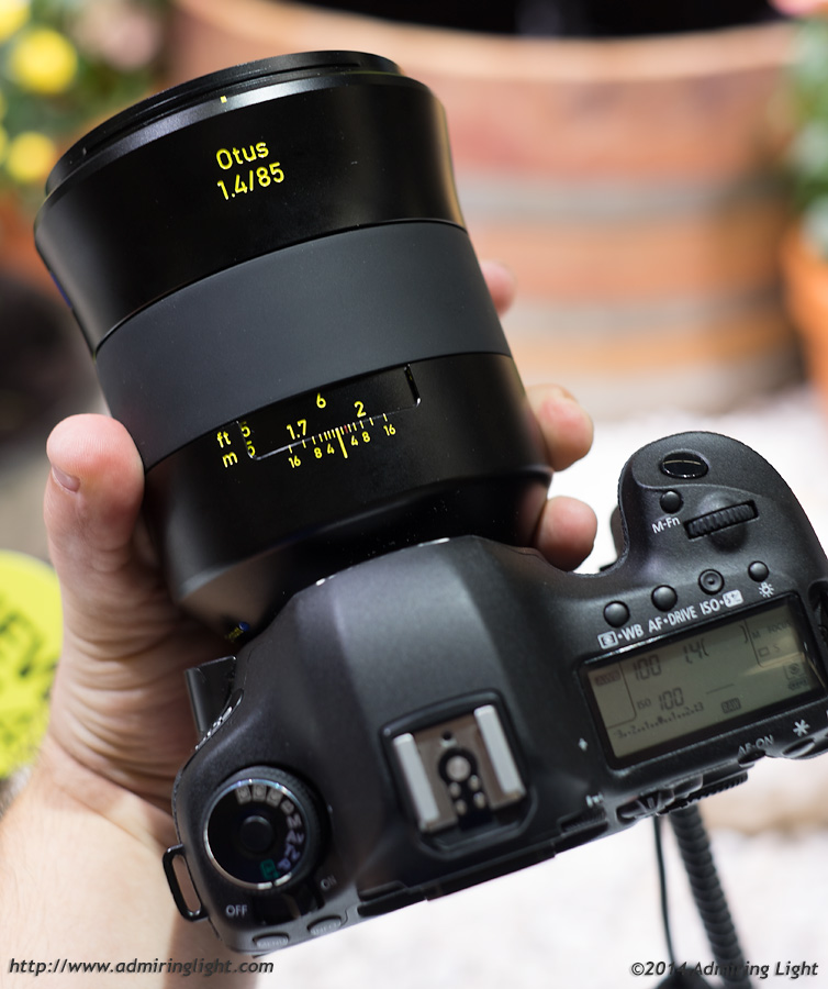 The giant Zeiss 85mm f/1.4 Otus on the Canon 5D Mark III
