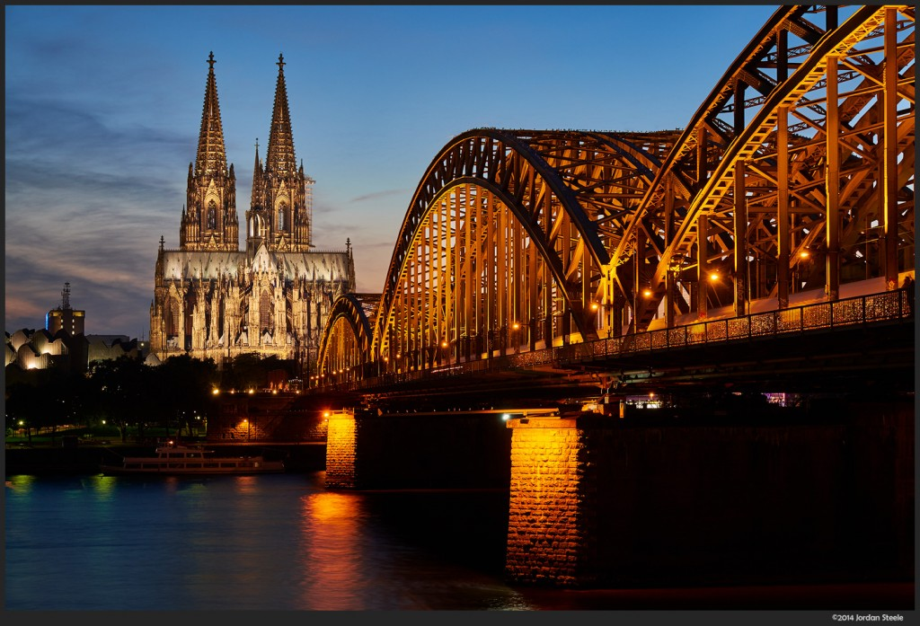 Cologne Cathedral - Fujifilm X-T1 with Fujinon XF 18-55mm f/2.8-4 @ 44mm, f/9, 6s, ISO 200
