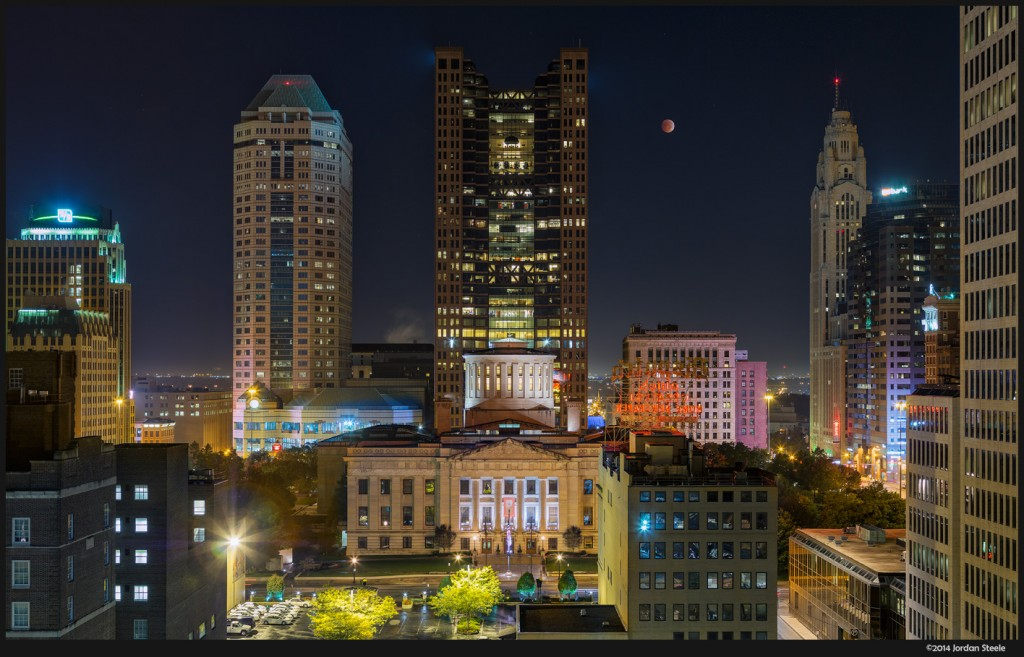 Lunar Eclipse over Columbus - Olympus OM-D E-M5 with Canon FD 50-300mm f/4.5L @ 50mm, f/8, 6s, ISO 200, 10 image stitch