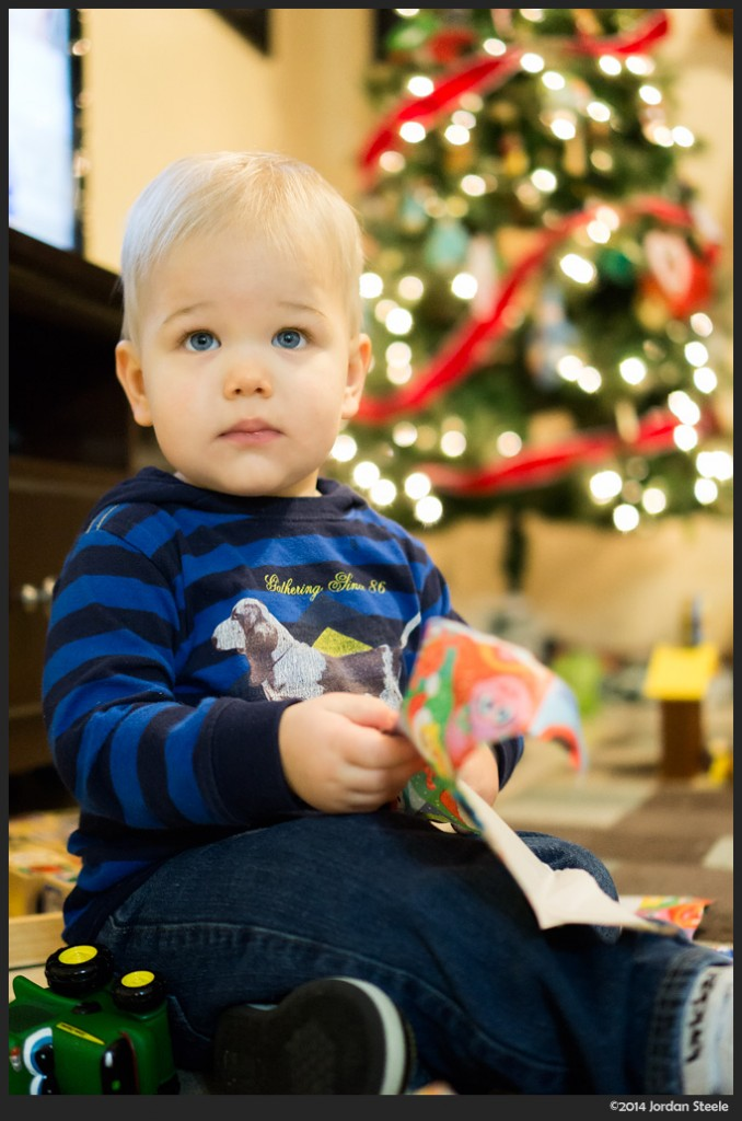 Presents - Sony a6000 with Sony 35mm f/1.8 OSS @ f/1.8