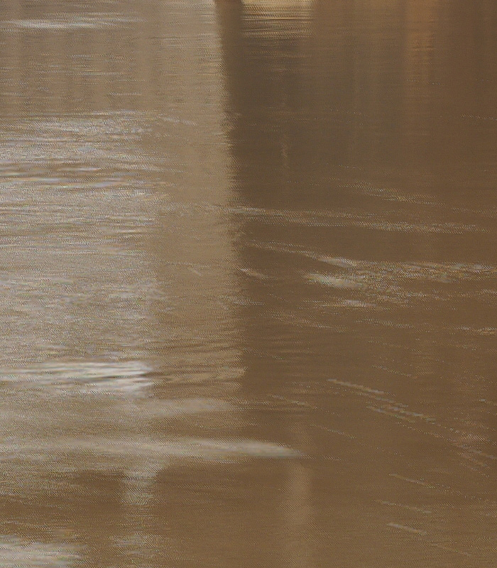 Artifacts caused by moving water in the 40MP image