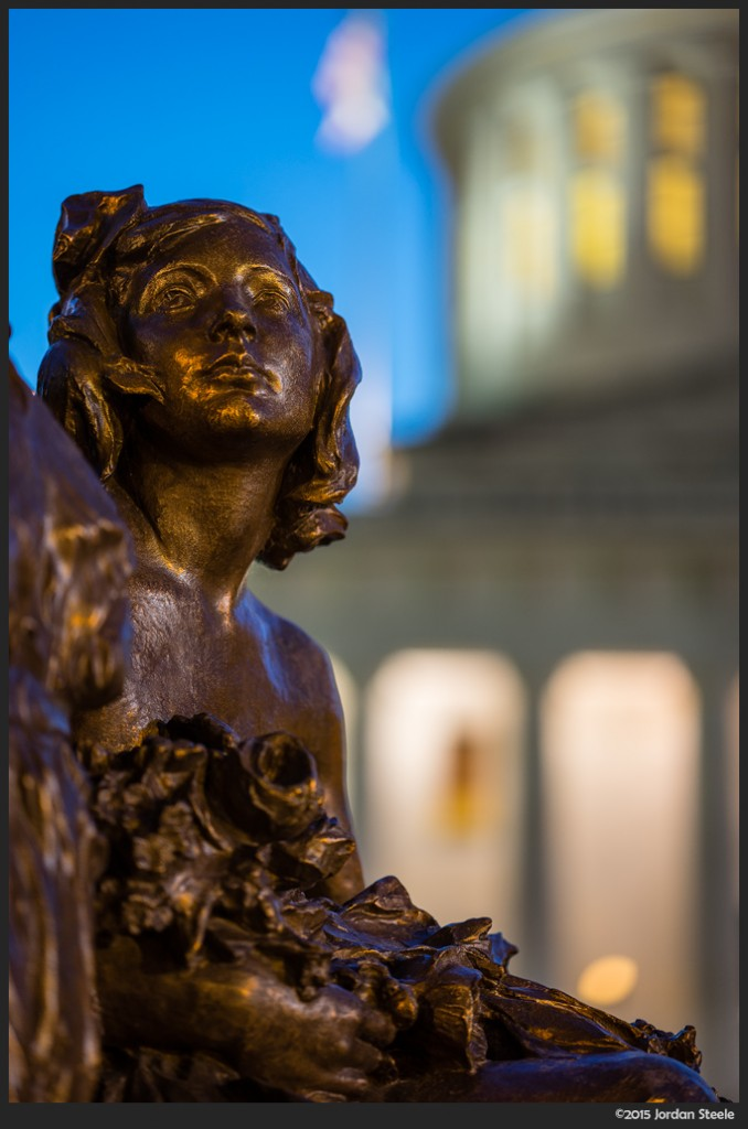 Statehouse Statue - Sony A7 II with Zeiss Batis 85mm f/1.8 @ f/1.8