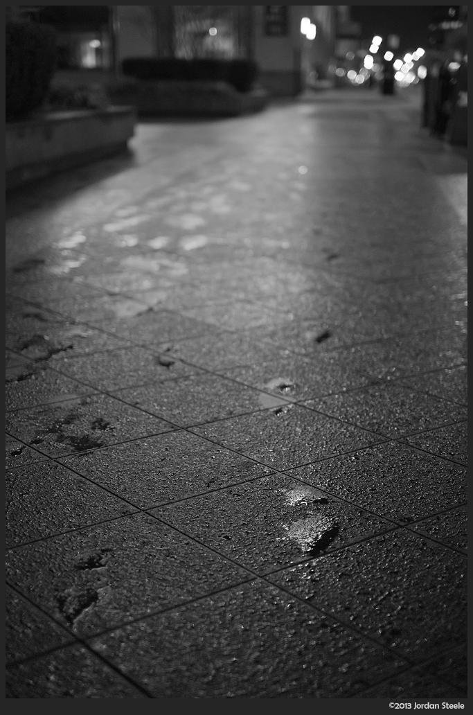 Footsteps - Fujifilm X-E1 with Fujinon XF 35mm f/1.4 @ f/1.4
