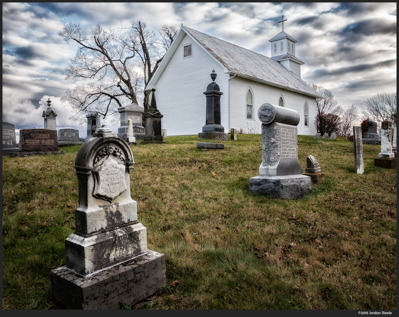 Graveyard - Olympus OM-D E-M10 Mark II with Panasonic 14mm f/2.5 @