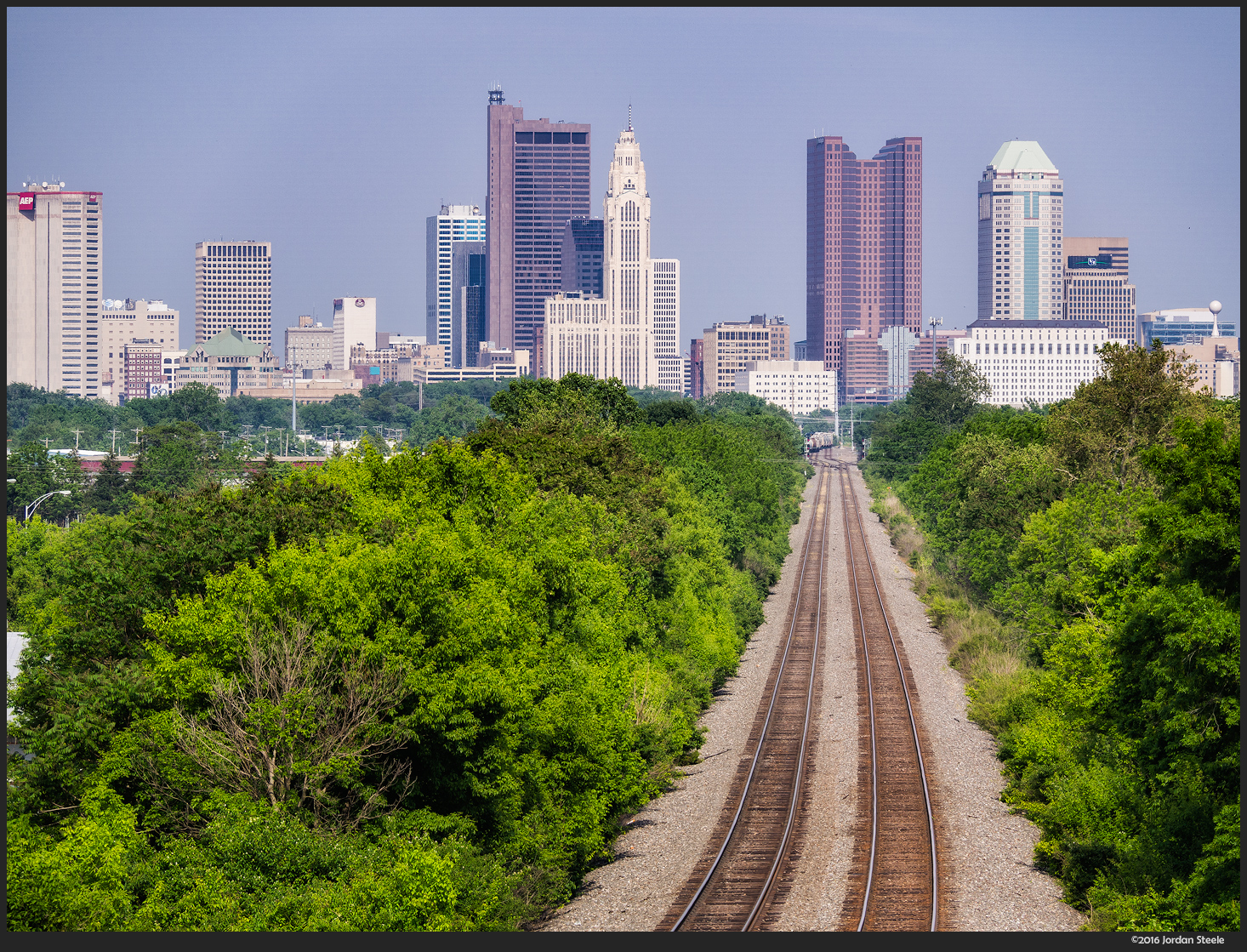 Columbus Down the Tracks - Olympus OM-D E-M10 Mark II with Panasonic Leica 100-400mm f/4-6.3 @ 100mm, f/8