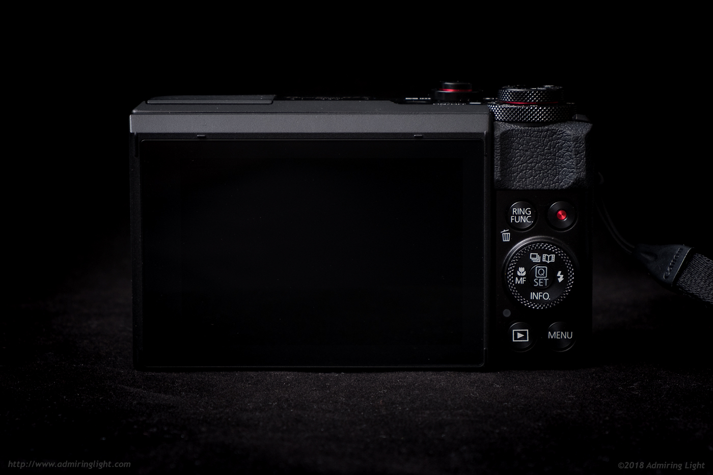 The rear of the Canon G7 X Mark II